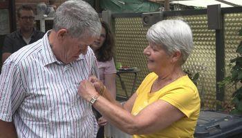 Burgemeester op pad voor uitgestelde lintjesregen
